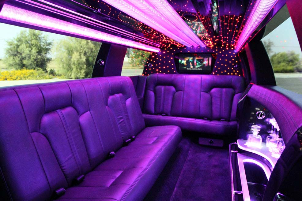 Party Limo Bus to United Center Blackhawks Game
